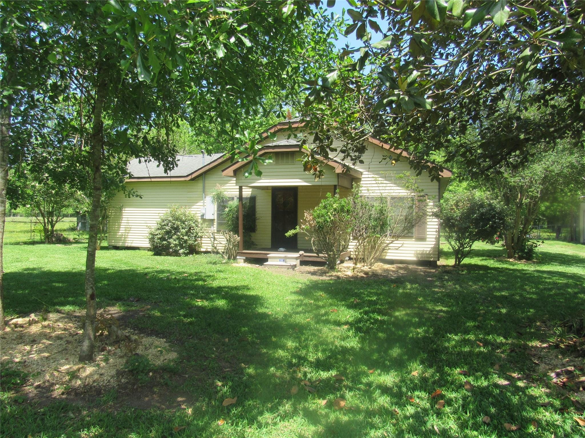 964 County Road 676 Property Photo - Dayton, TX real estate listing