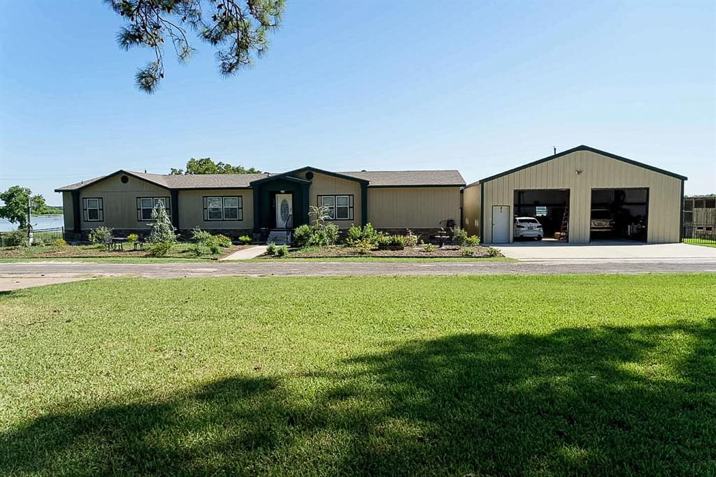 174 Lake Front Drive Property Photo - Trinity, TX real estate listing