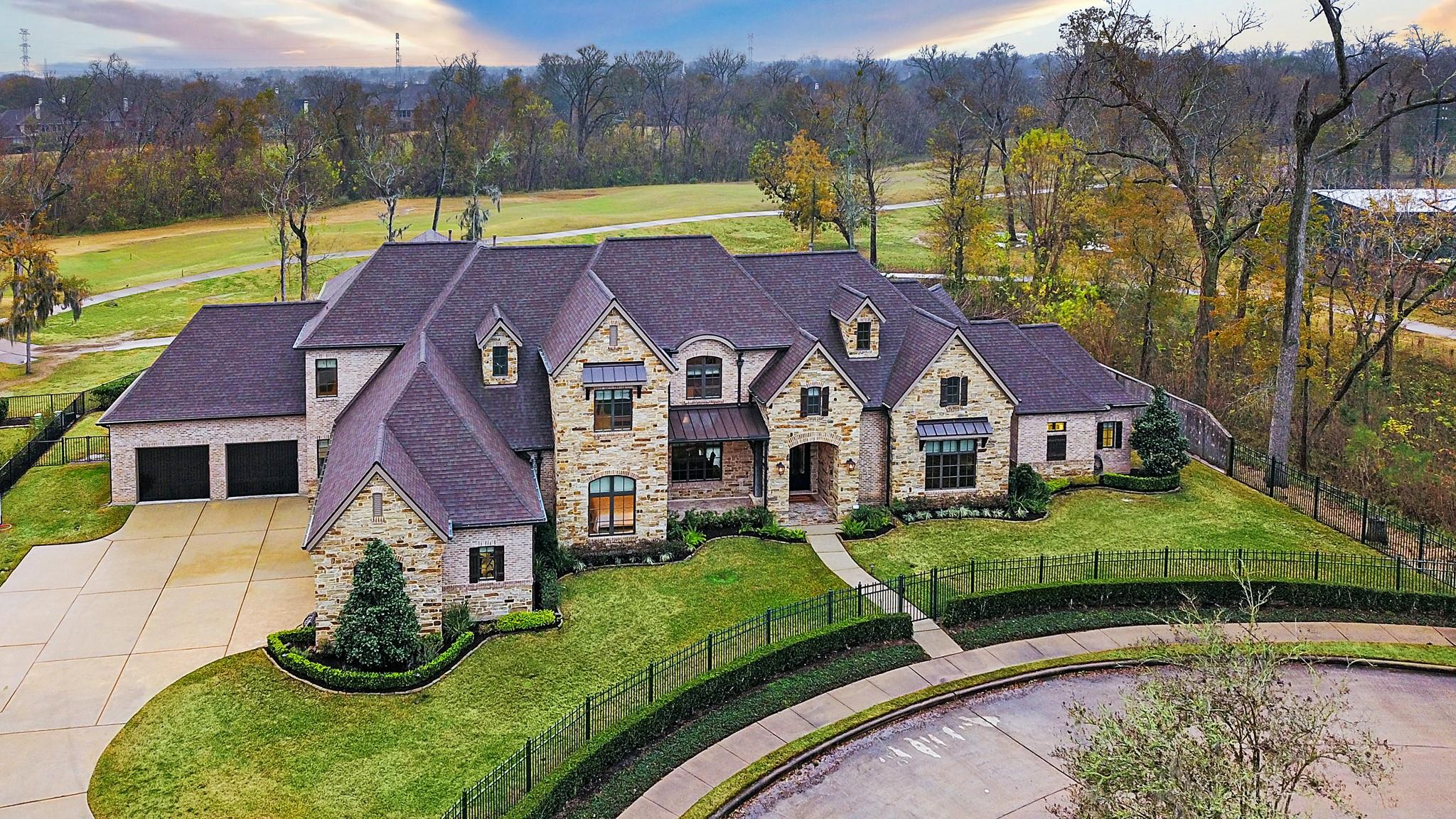 2 Waters Lake Boulevard Property Photo - Missouri City, TX real estate listing