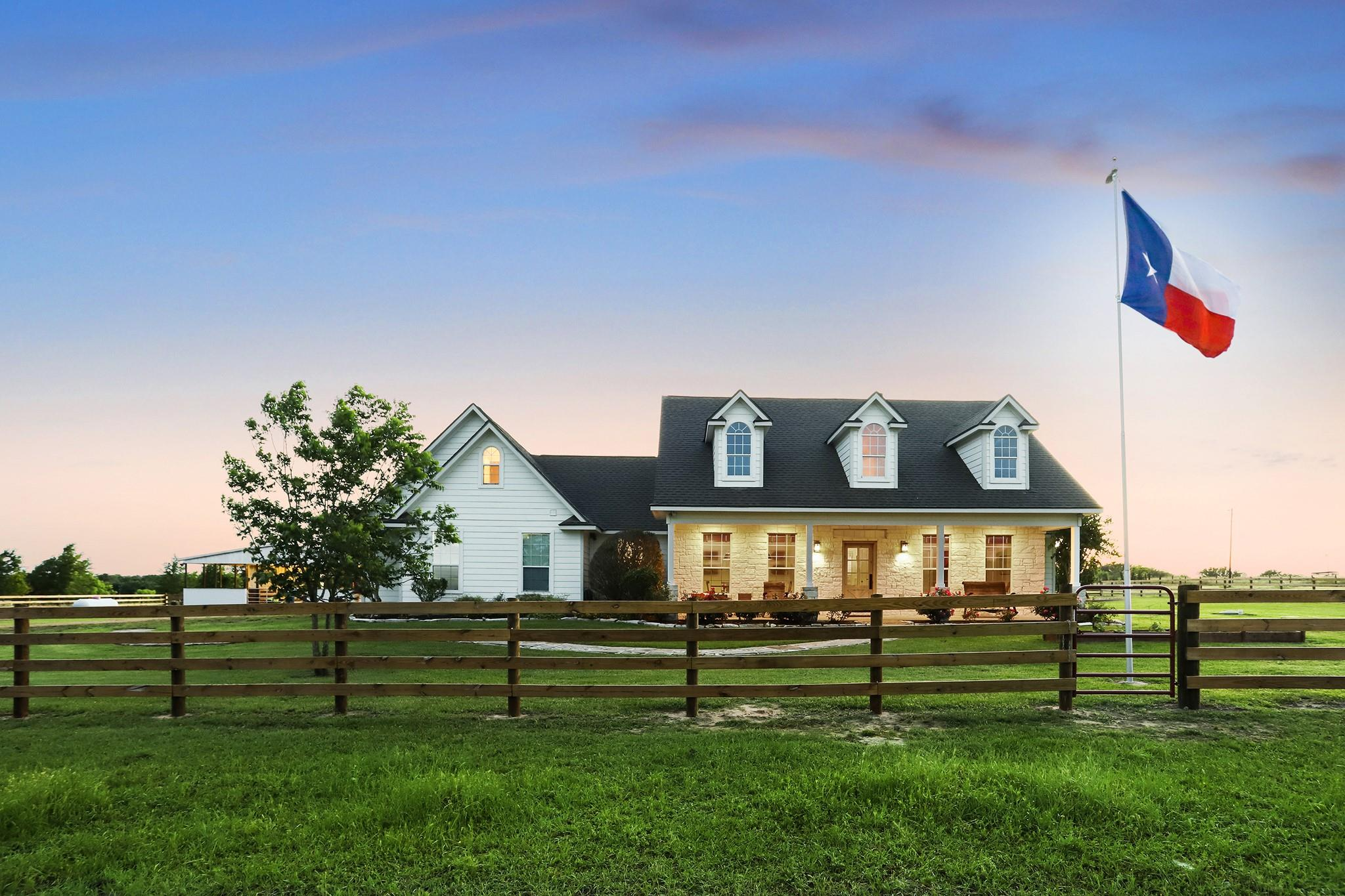 14001 Whitman Road Property Photo