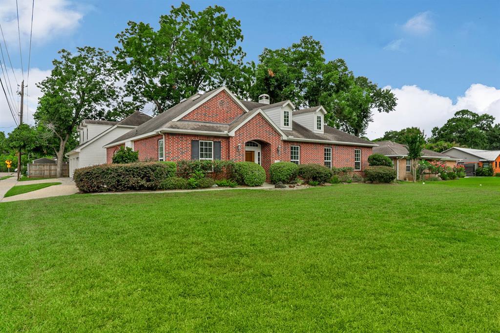 5601 Valerie Street Property Photo - Houston, TX real estate listing