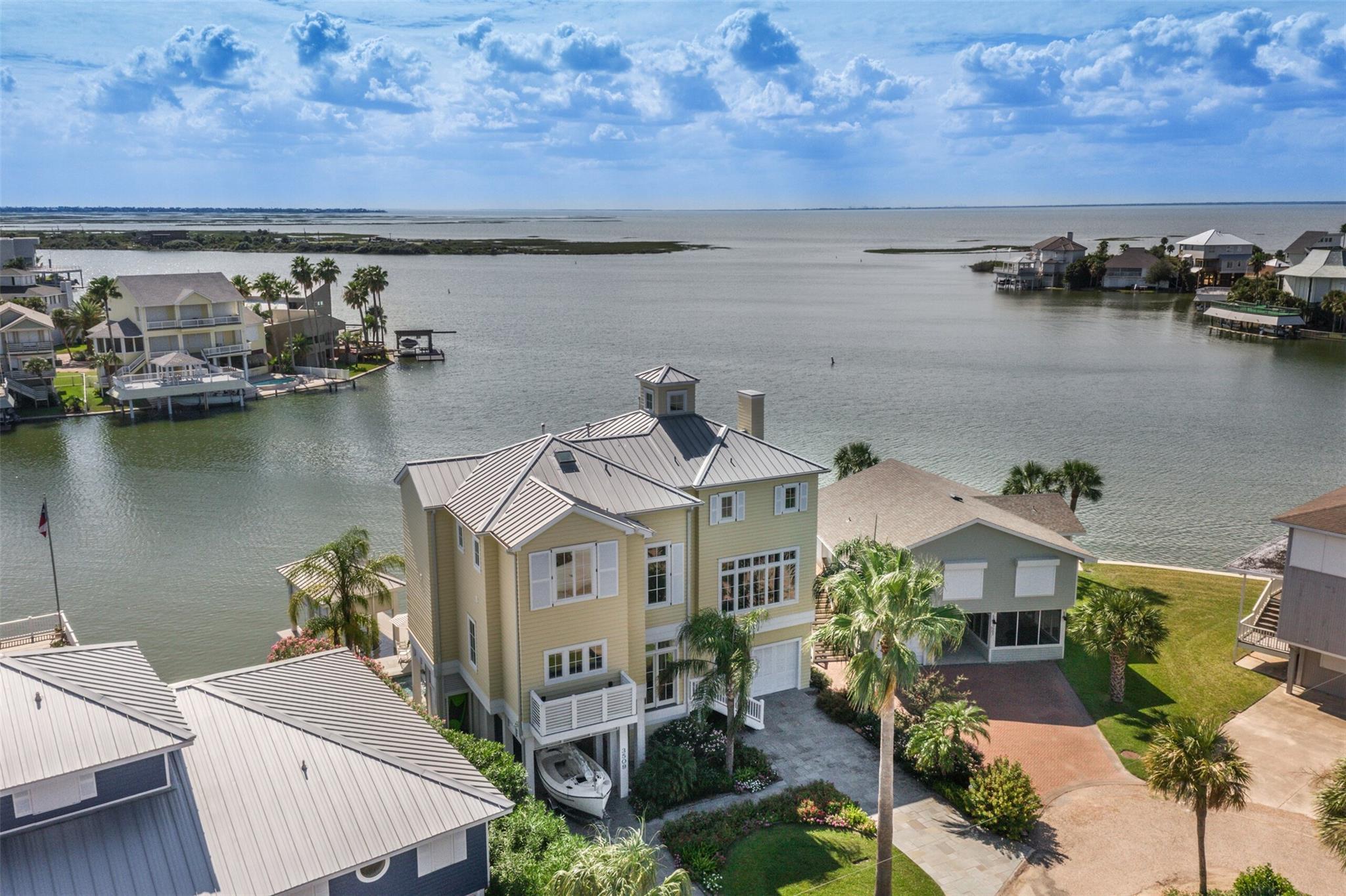 3509 Petite Circle Property Photo - Galveston, TX real estate listing