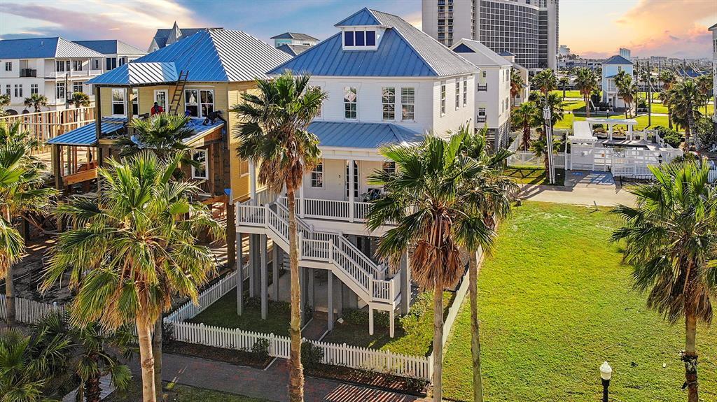 745 Beachtown Passage, Galveston, TX 77550 - Galveston, TX real estate listing