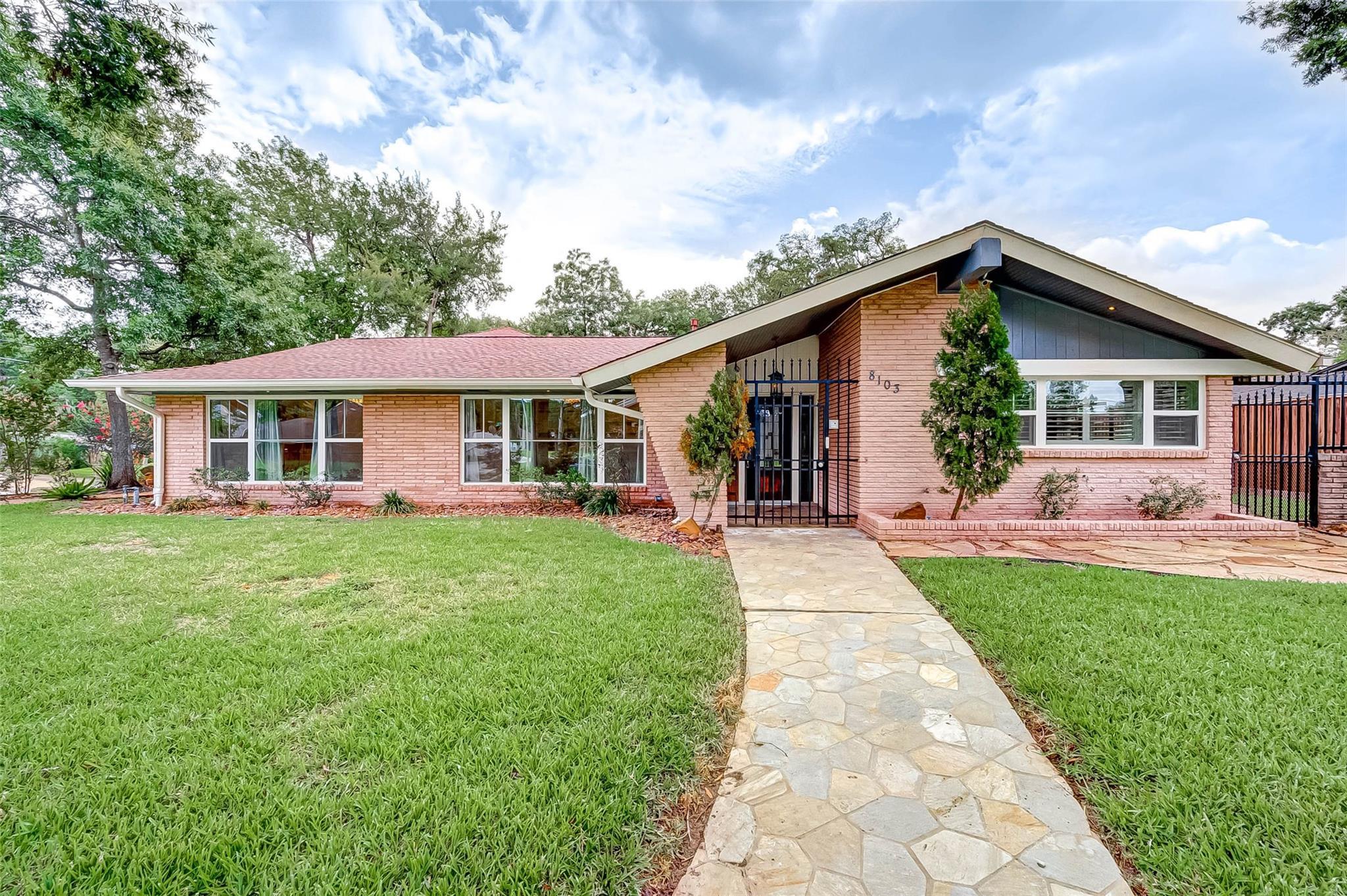 8103 Glen Valley Drive Property Photo - Houston, TX real estate listing