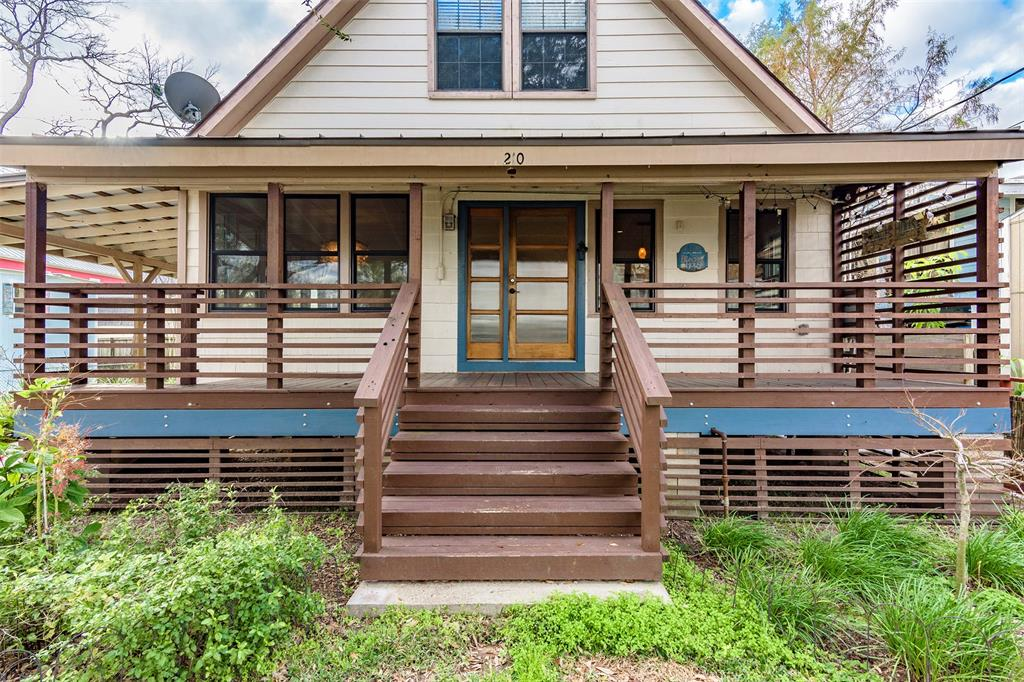 210 Queen Road, Clear Lake Shores, TX 77565 - Clear Lake Shores, TX real estate listing