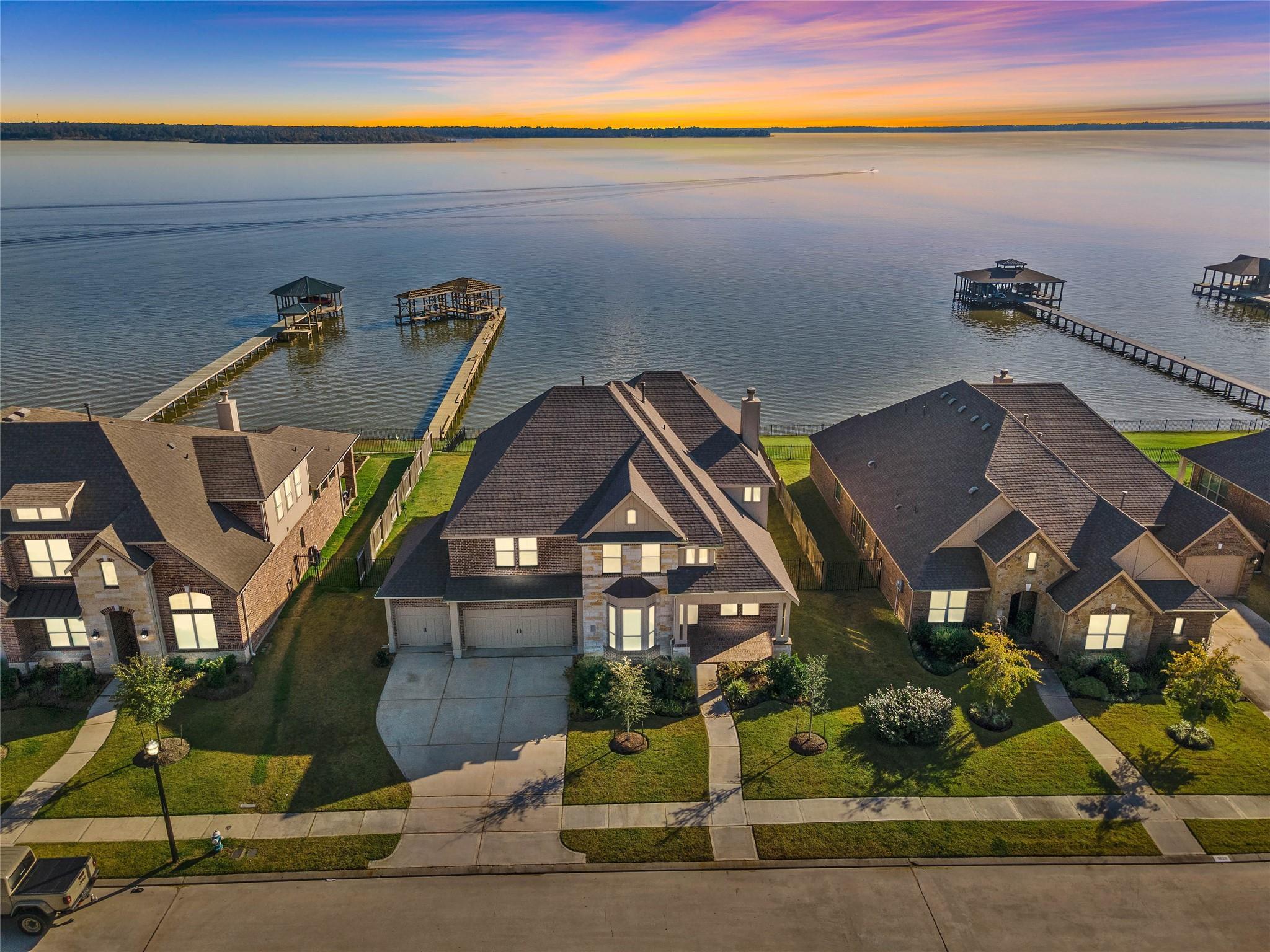 8614 San Juanico Street Property Photo - Houston, TX real estate listing