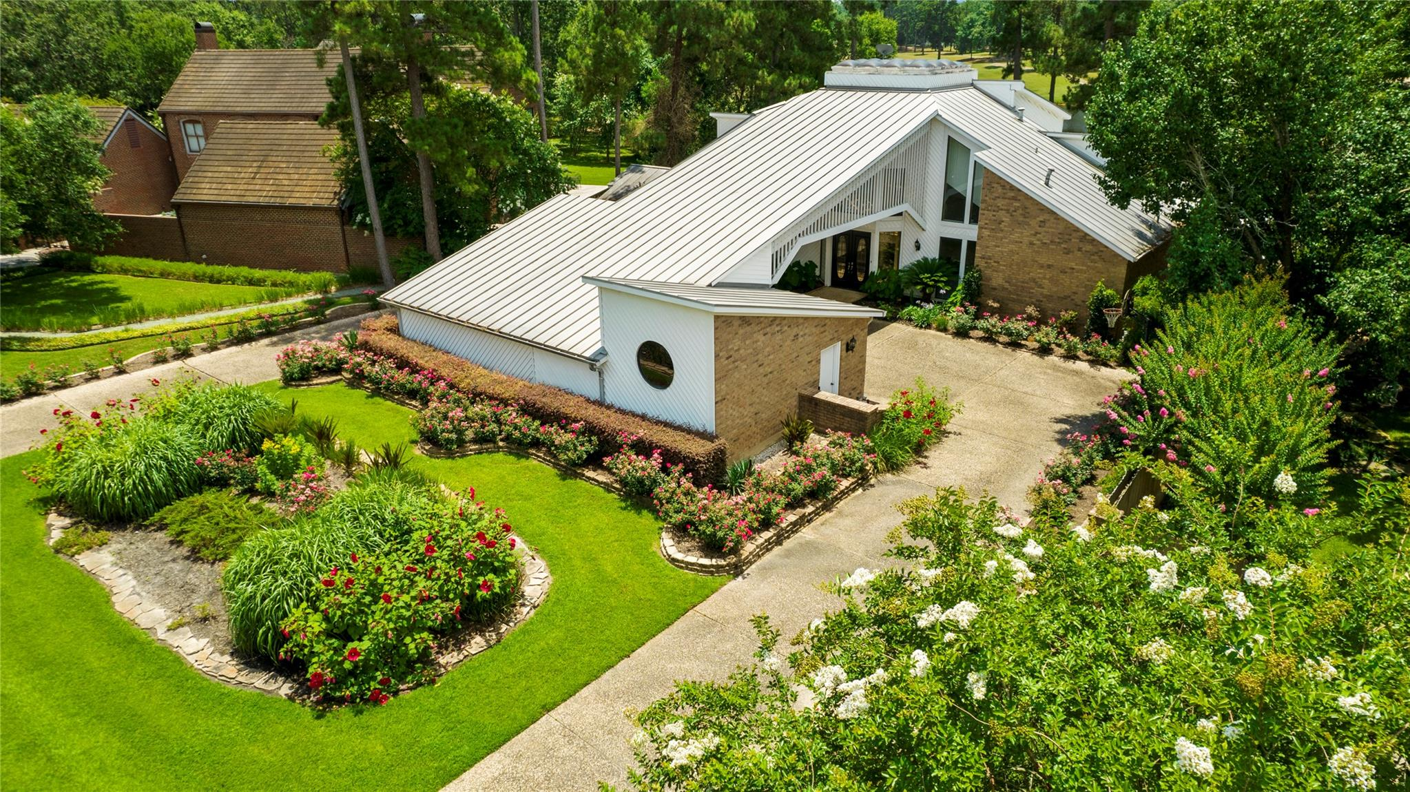 404 Crown Colony Drive Property Photo