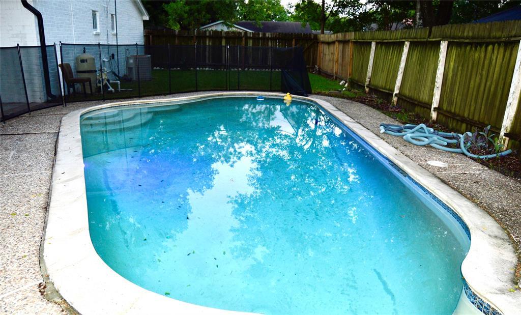 7835 Martin Wood Lane Property Photo - Houston, TX real estate listing