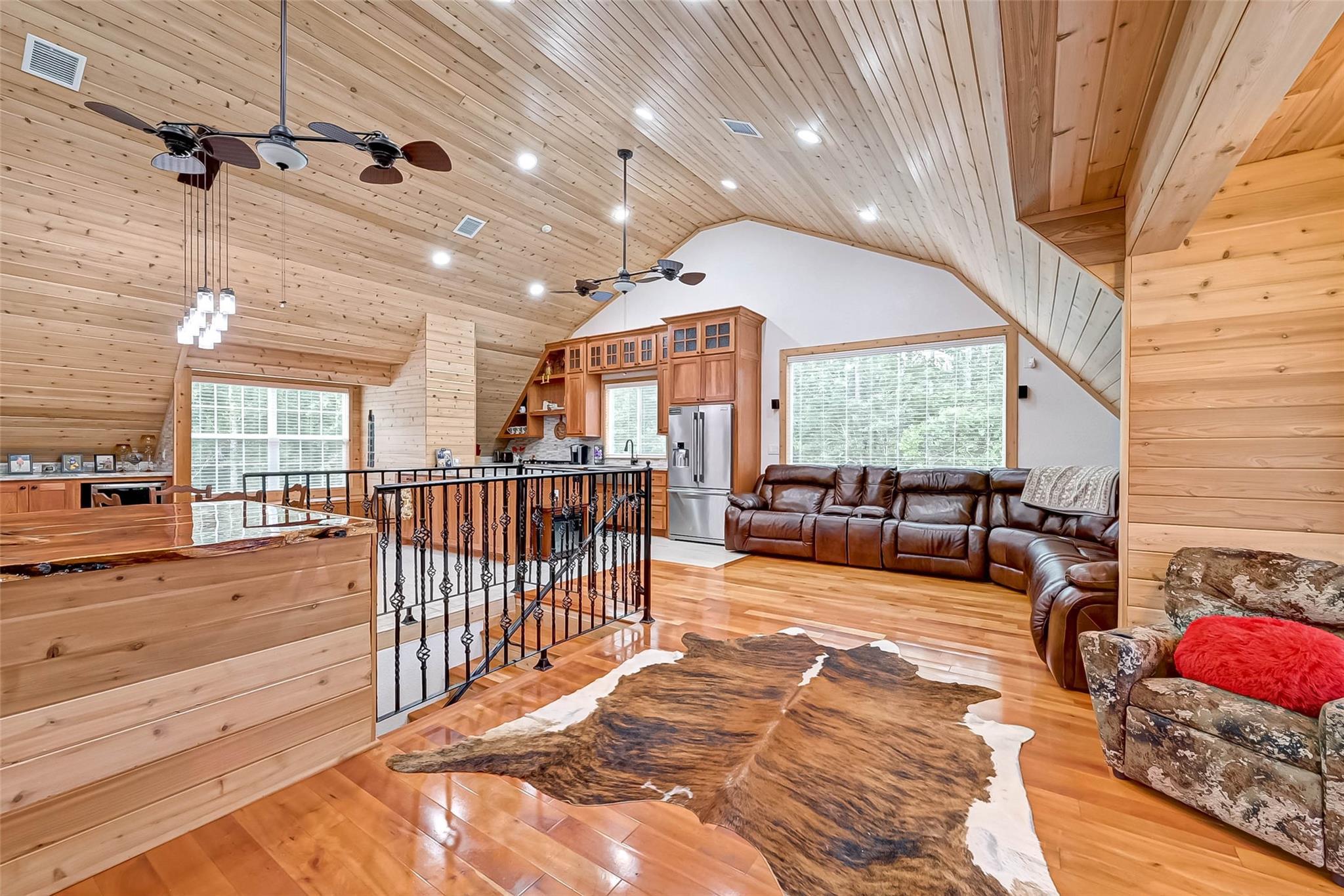 8026 Hills Parkway Property Photo 1