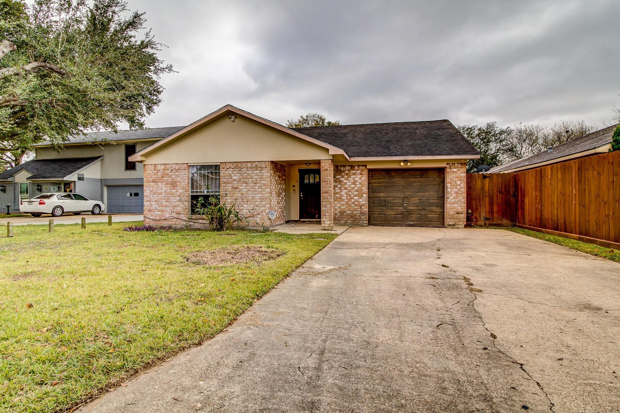 734 Midland Court Property Photo - Houston, TX real estate listing