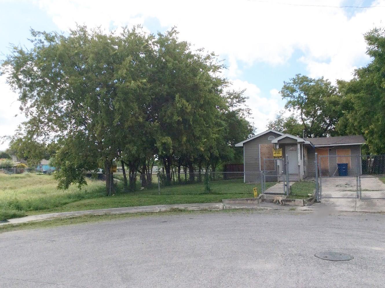 220 Azucena Street Property Photo