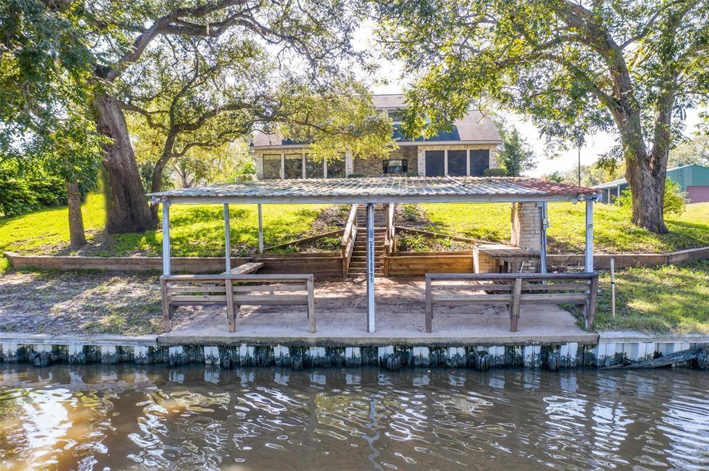2442 County Road 506 Property Photo - Brazoria, TX real estate listing