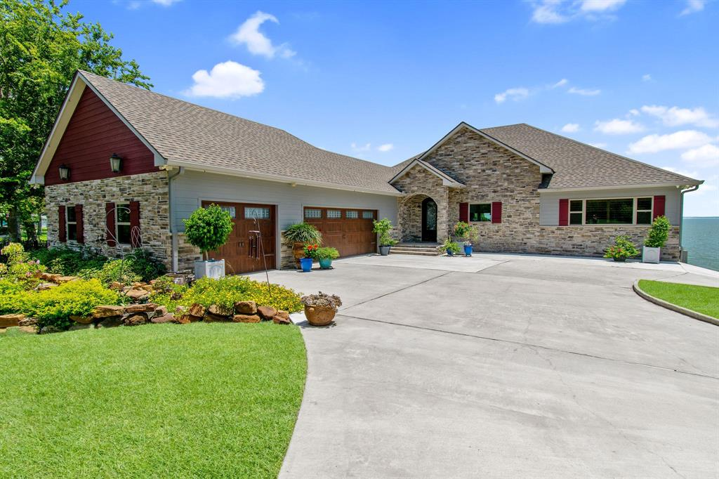 260 Legacy Boulevard Property Photo - Point Blank, TX real estate listing