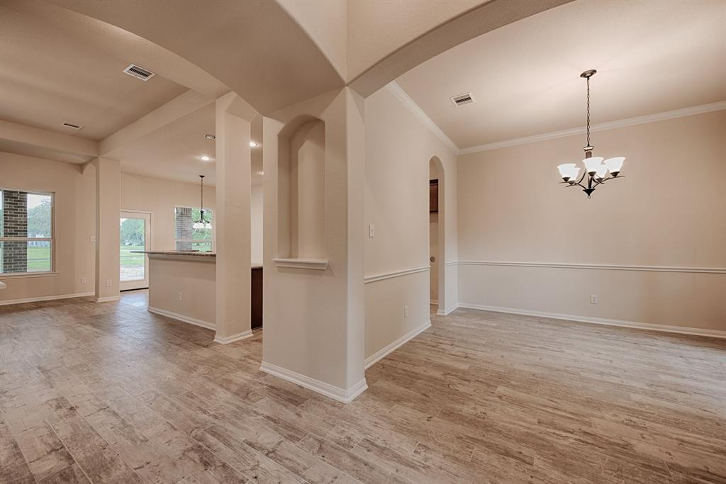 112 Pecan Valley Drive, West Columbia, TX 77486 - West Columbia, TX real estate listing