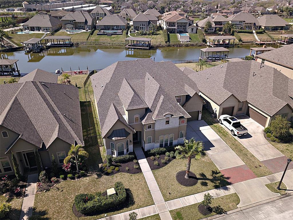 620 Amalfi Drive Property Photo - Kemah, TX real estate listing