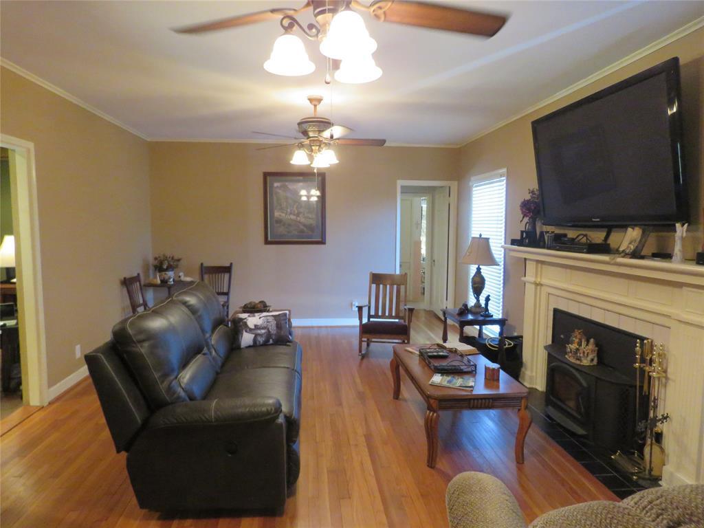 903 North Jackson Street, Cameron, TX 76520 - Cameron, TX real estate listing