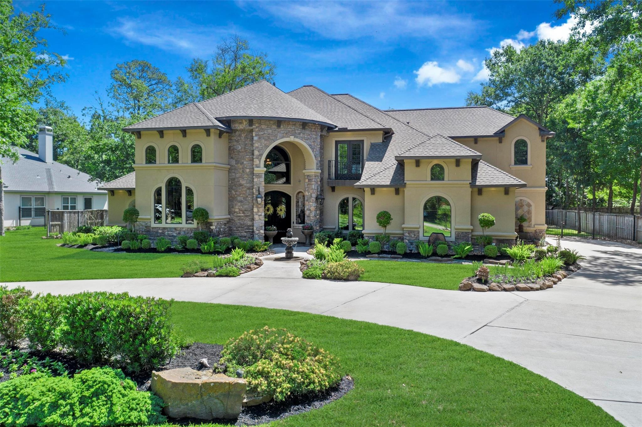 17108 Lakeway Park Property Photo
