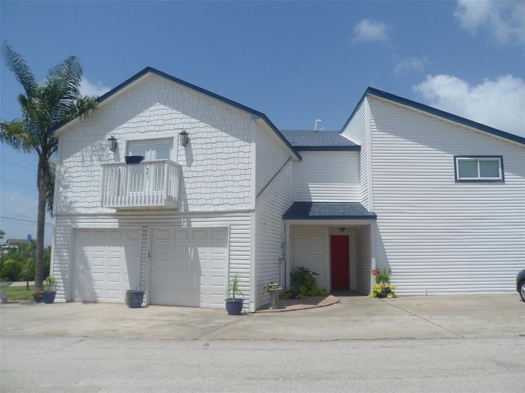 1 S Sandpiper St Property Photo - La Marque, TX real estate listing