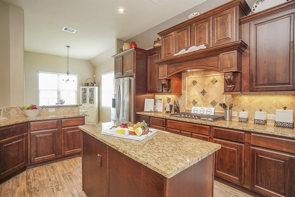 20802 Broadsword Drive Property Photo - Tomball, TX real estate listing