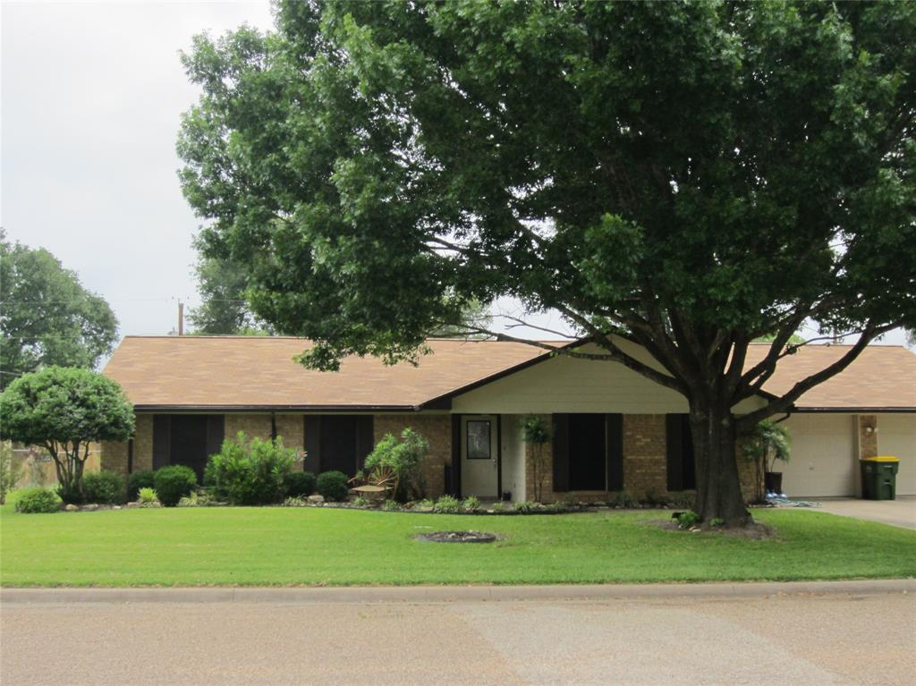 1211 Donna Street Property Photo - Groesbeck, TX real estate listing