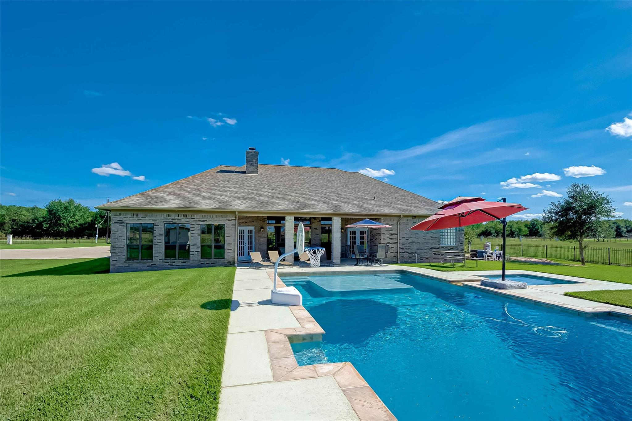 16028 County Road 522 Property Photo - Guy, TX real estate listing