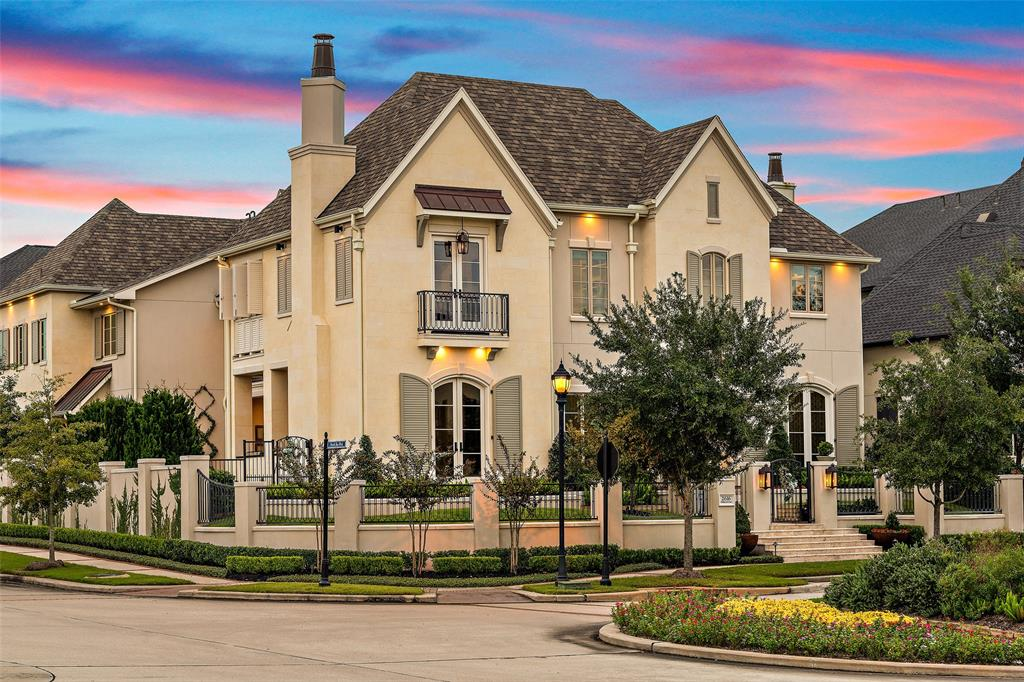 2616 Timberloch Place Property Photo - The Woodlands, TX real estate listing