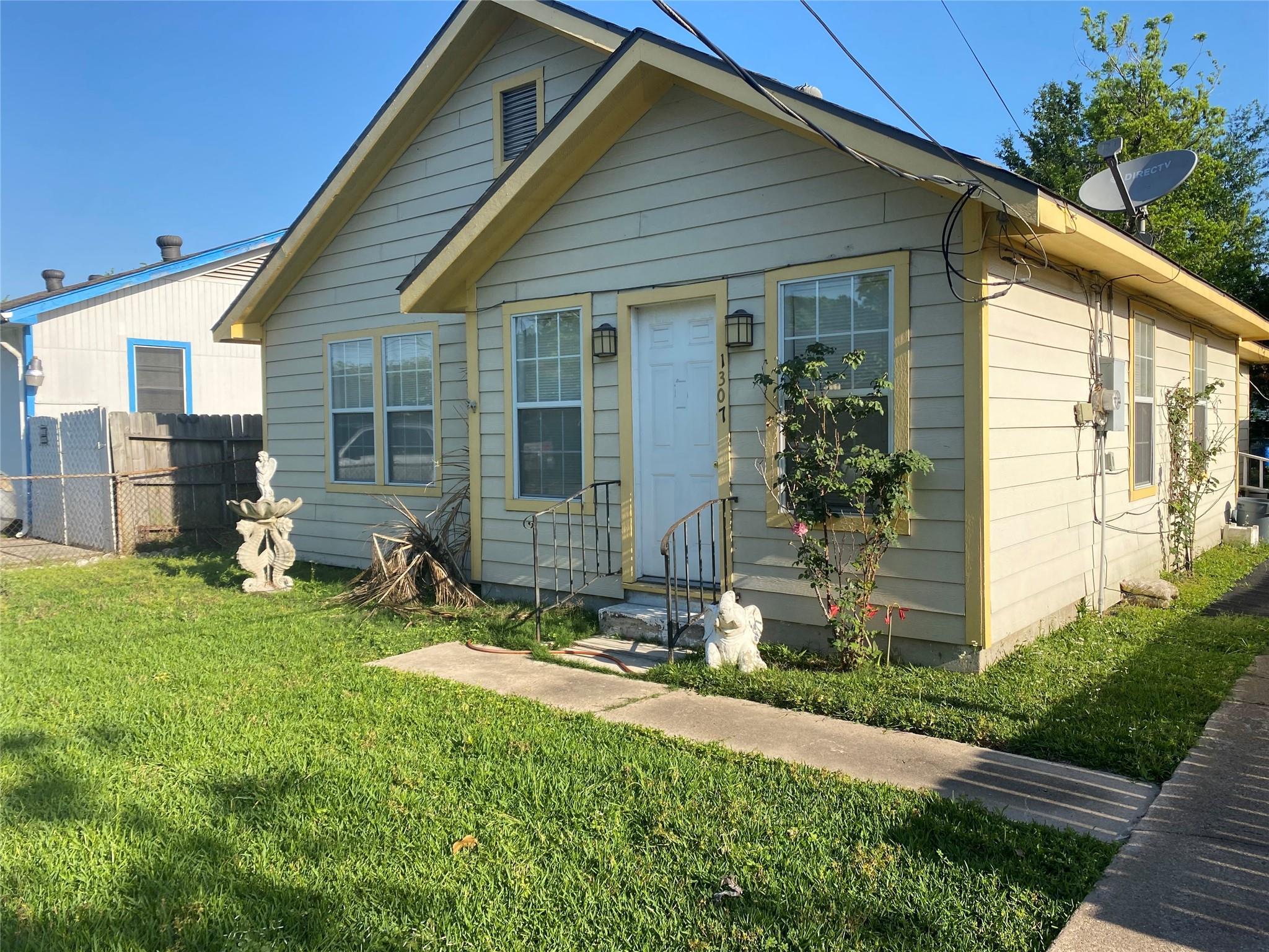 1307 11th Street Property Photo