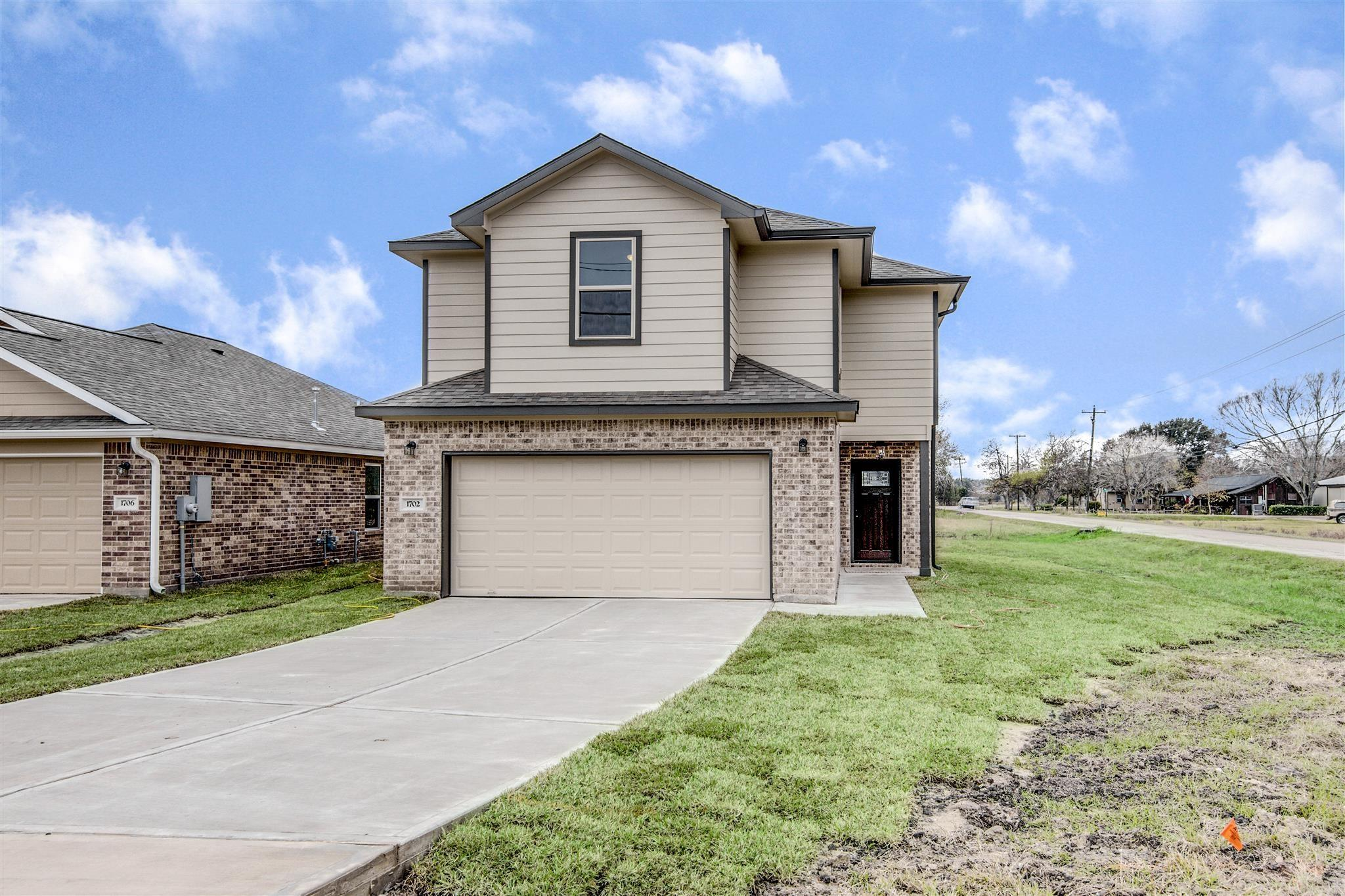 1702 Avenue J Property Photo - Danbury, TX real estate listing
