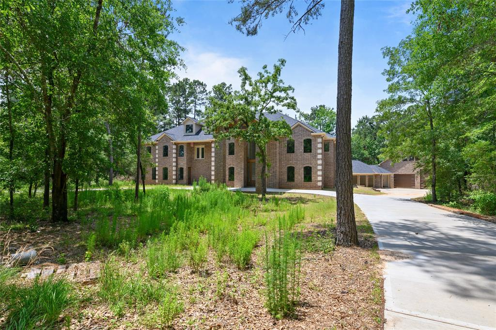 15577 Crown Oaks Drive, Montgomery, TX 77316 - Montgomery, TX real estate listing