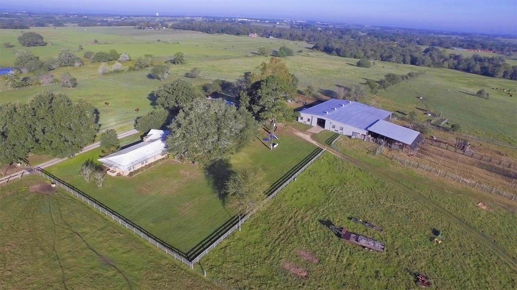 825 Jahn Lane, Schulenburg, TX 78956 - Schulenburg, TX real estate listing