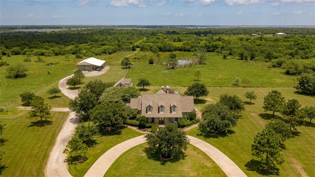 5311 Starboard Drive Property Photo - Dickinson, TX real estate listing