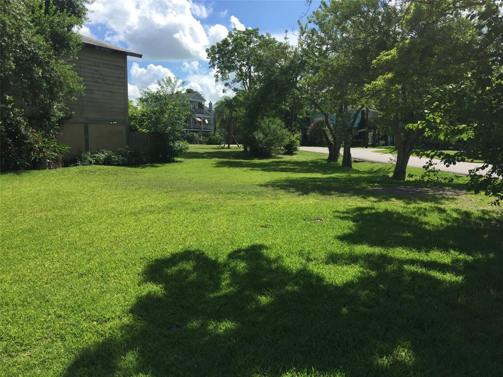 131 E Shore Drive, Clear Lake Shores, TX 77565 - Clear Lake Shores, TX real estate listing