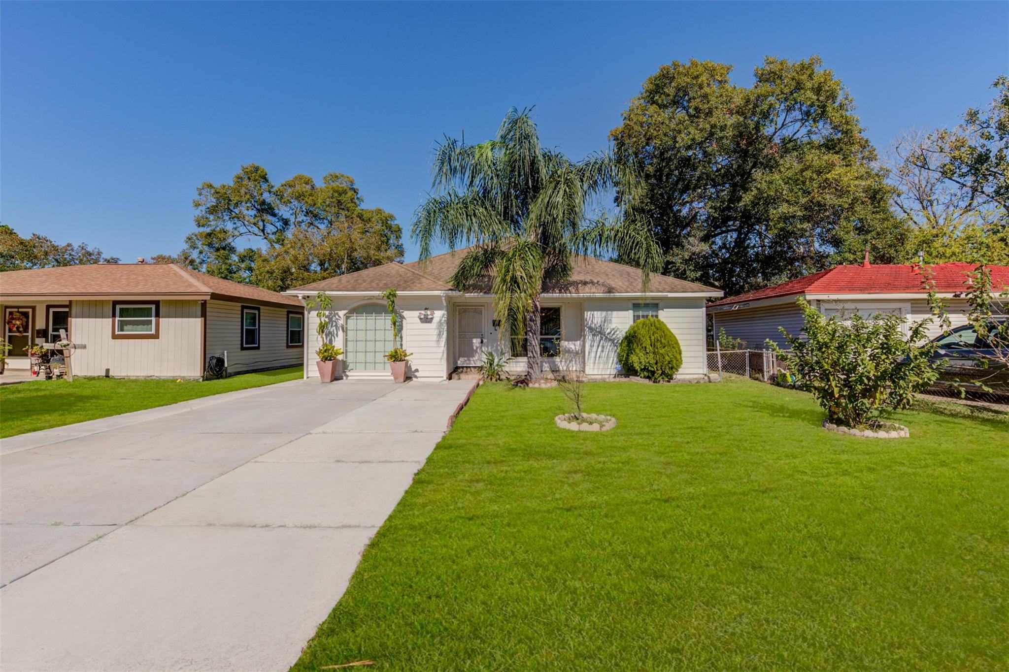 409 Avenue E Property Photo - South Houston, TX real estate listing