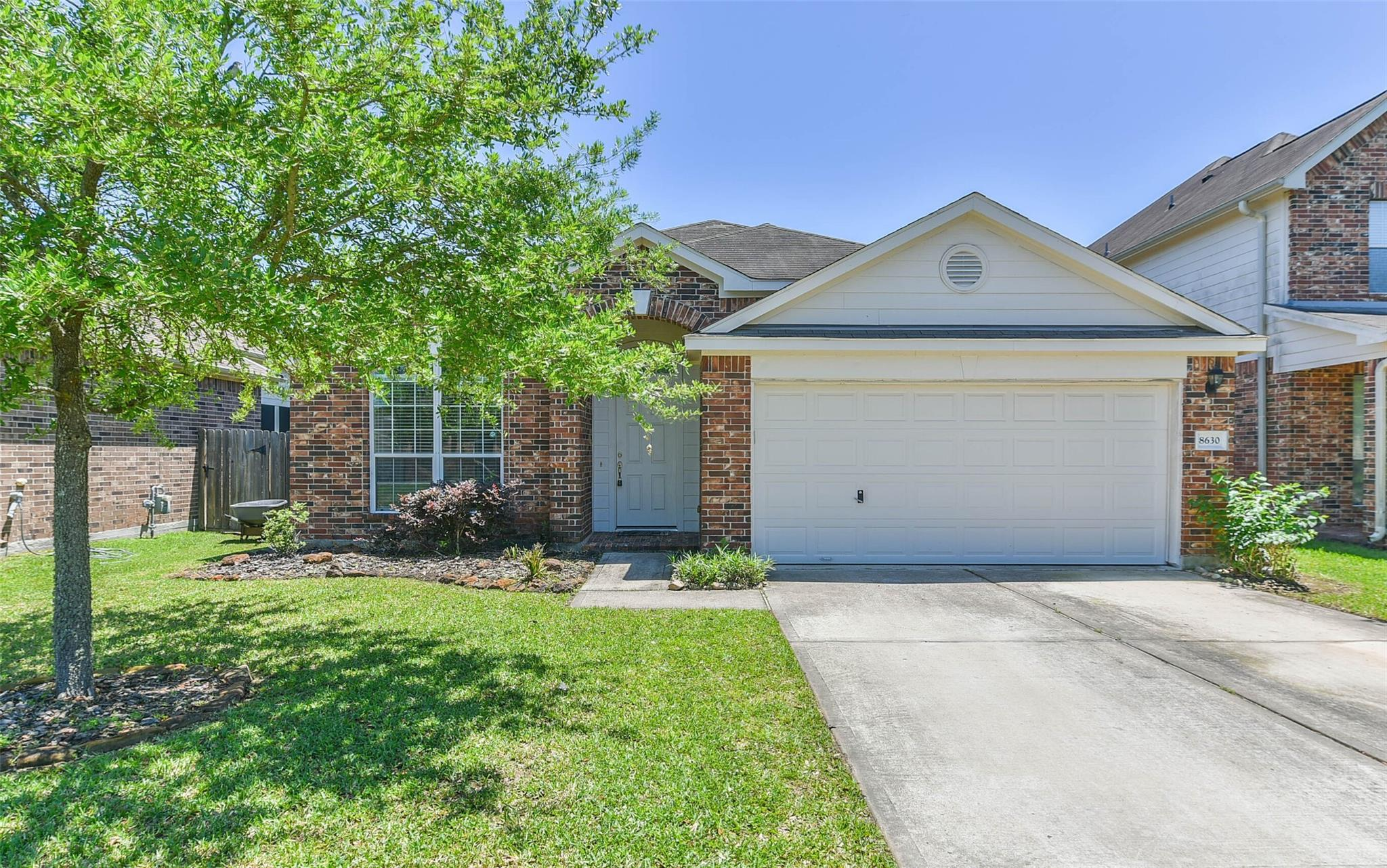8630 W Highlands Crossing Property Photo