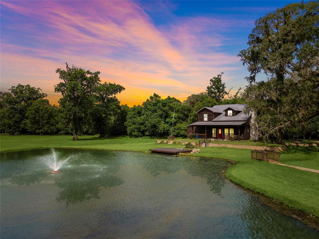 2323 County Road 36 Property Photo - Angleton, TX real estate listing