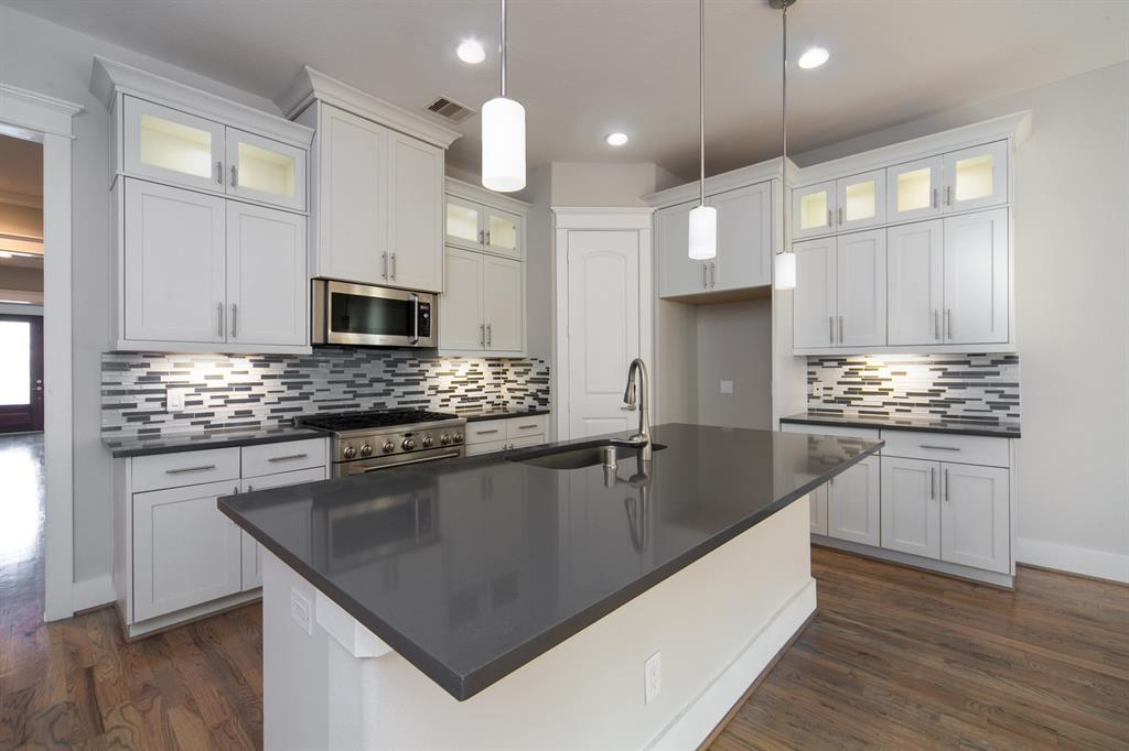 404 W 28th Street Property Photo