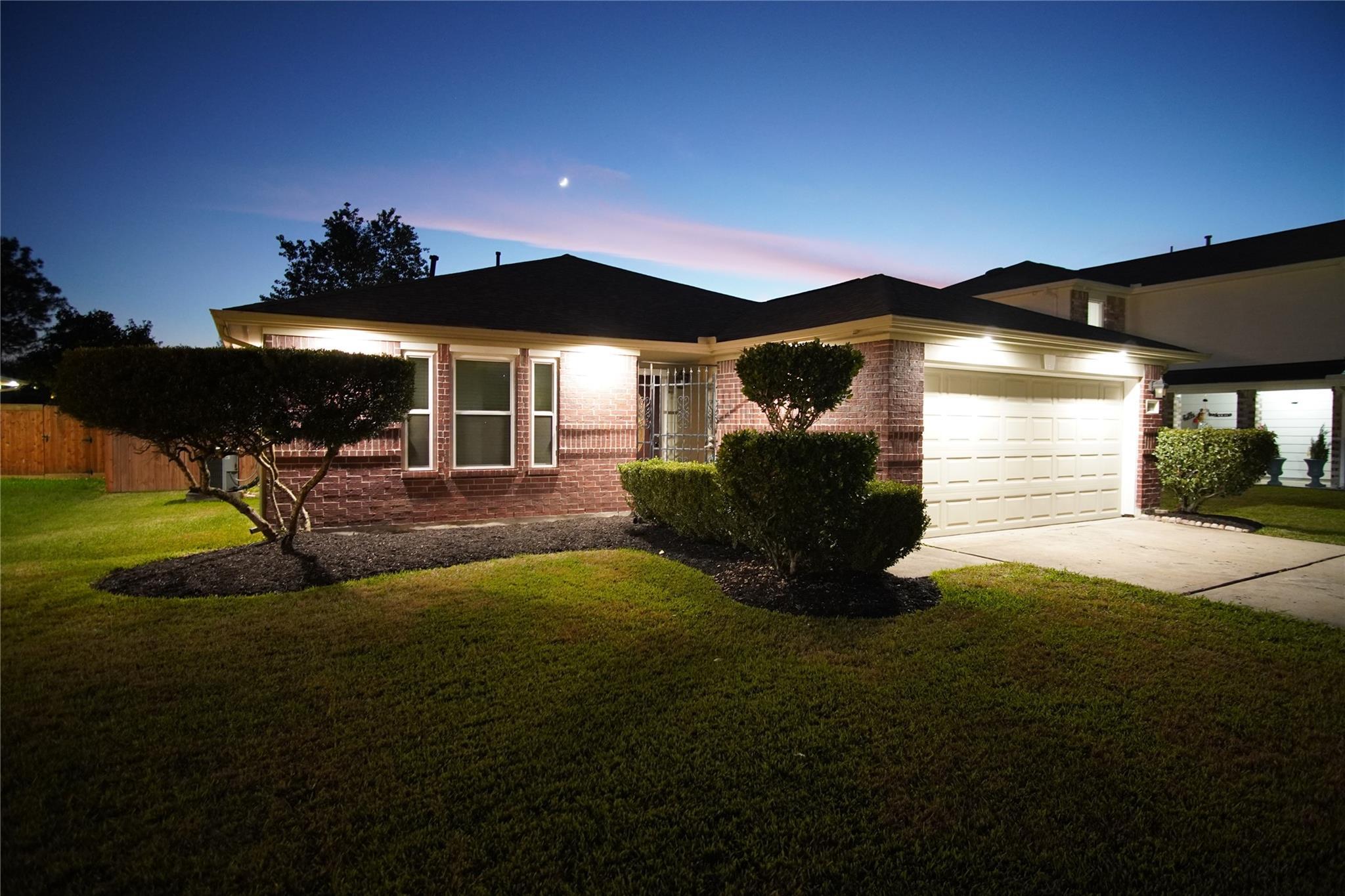 4935 Ridge Harbor Drive Property Photo - Houston, TX real estate listing