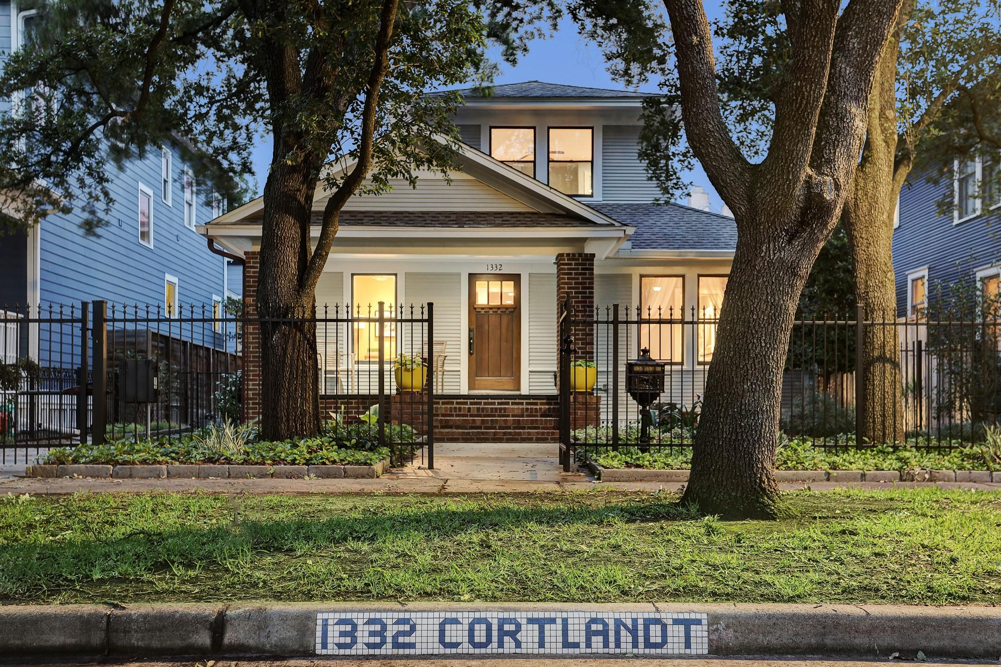 1332 Cortlandt Street Property Photo