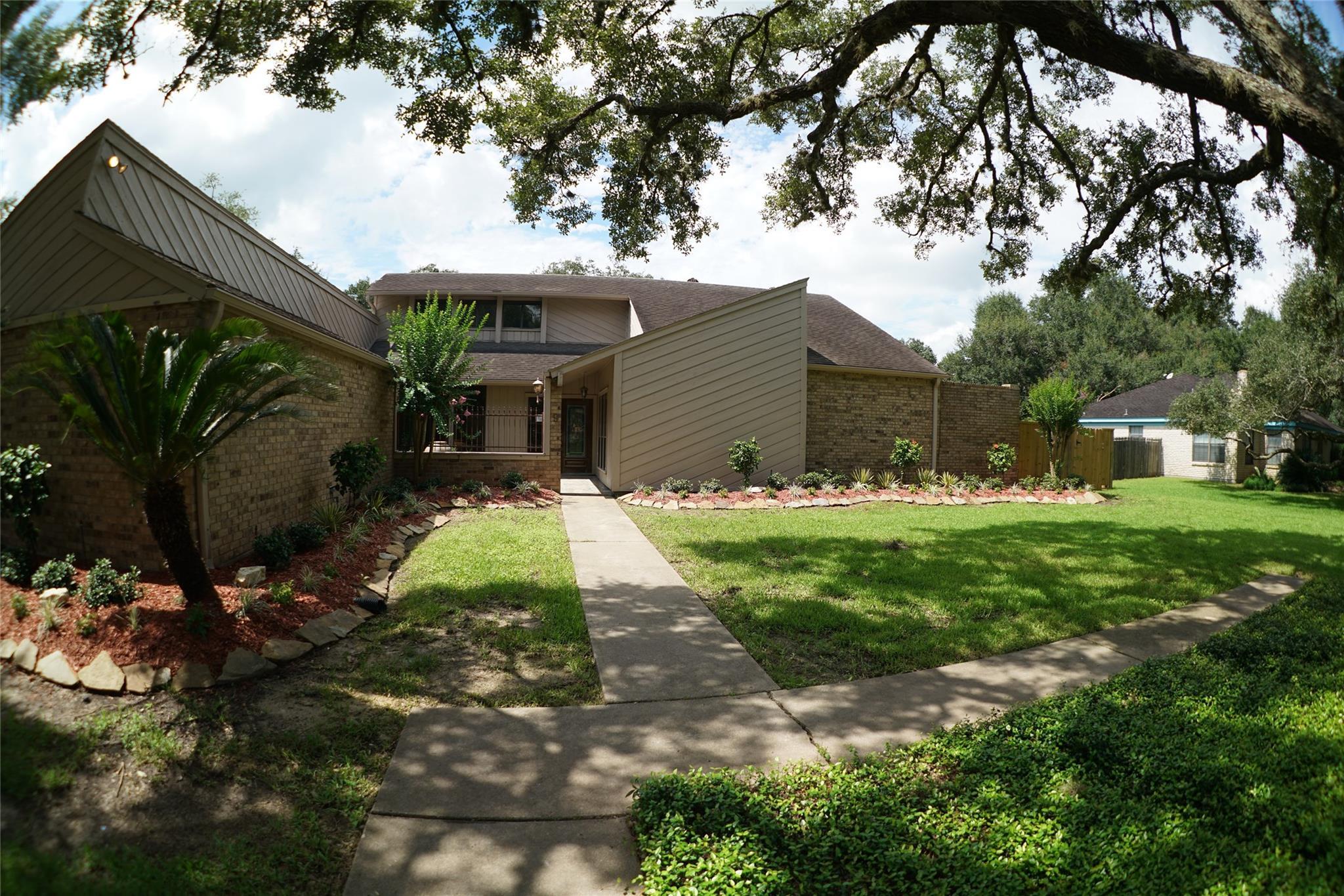 9 Renwick Street Property Photo - Bay City, TX real estate listing