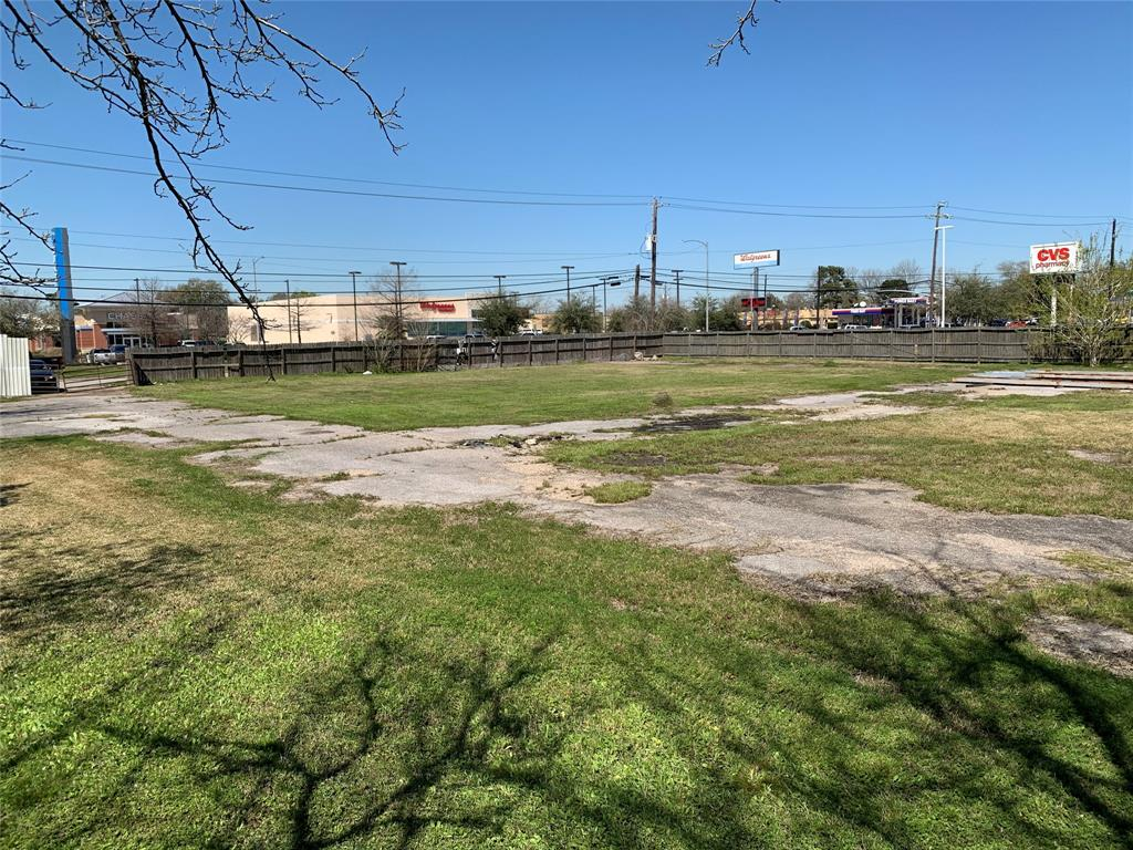 1500 N Alexander Drive Property Photo - Baytown, TX real estate listing