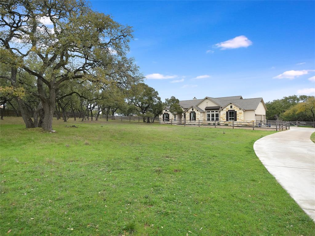 17 Heritage Oaks Drive, Austin, TX 78737 - Austin, TX real estate listing