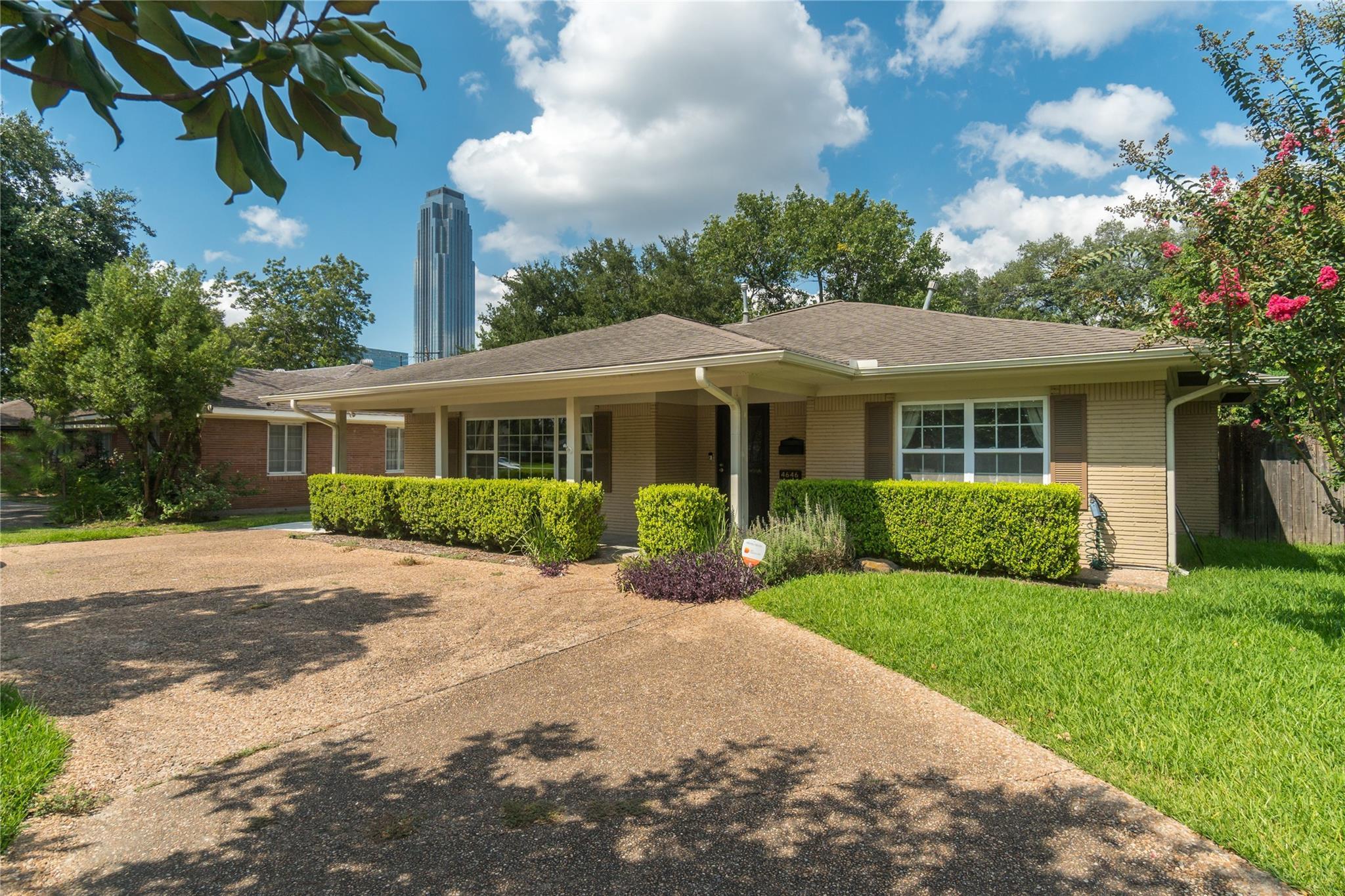 4646 Richmond Avenue Property Photo