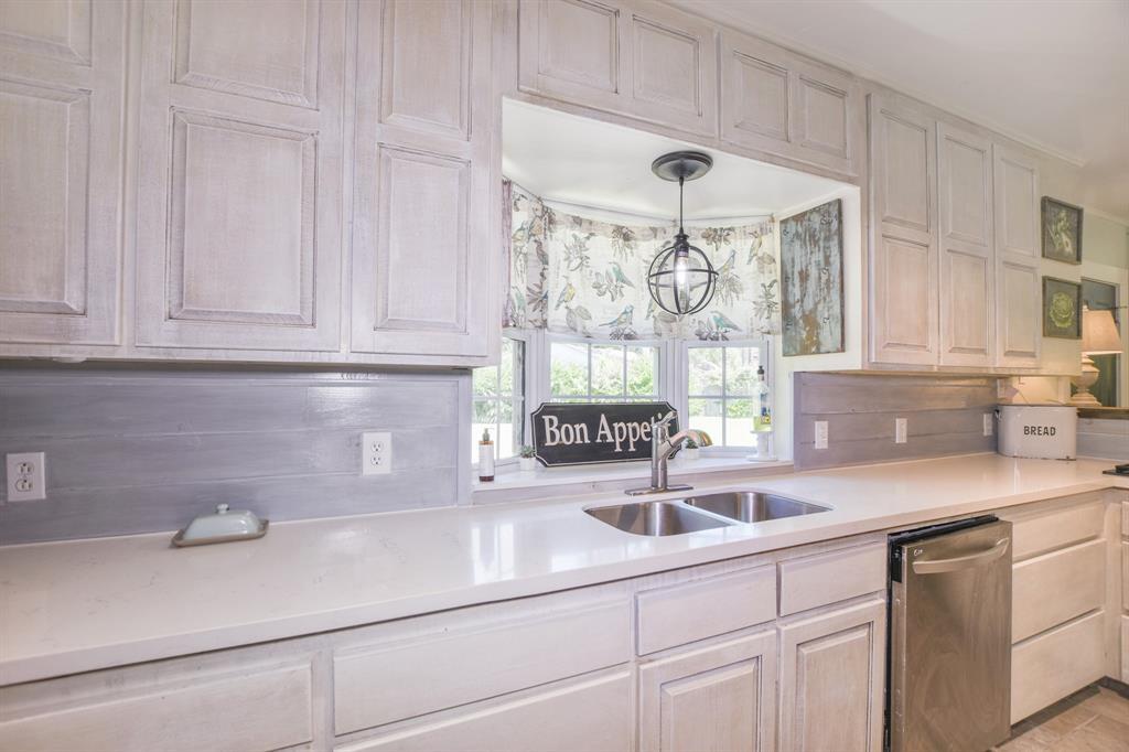 10 Perthuis Farms Road Property Photo - La Marque, TX real estate listing