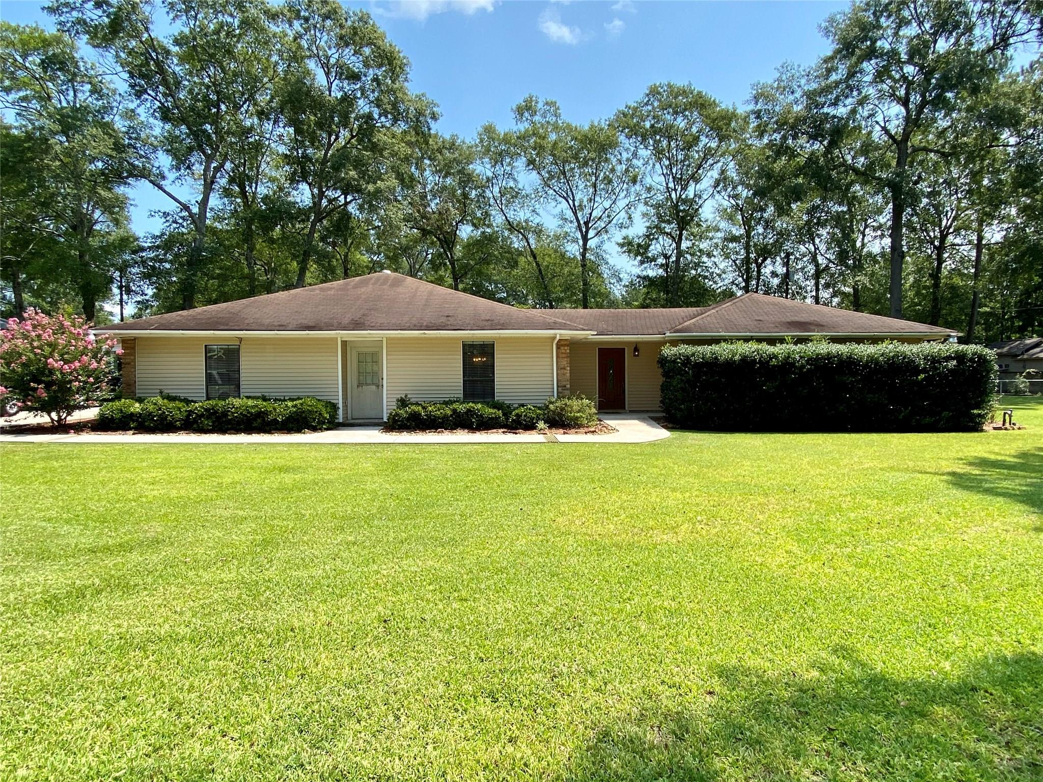 174 County Road 760 Property Photo - Buna, TX real estate listing