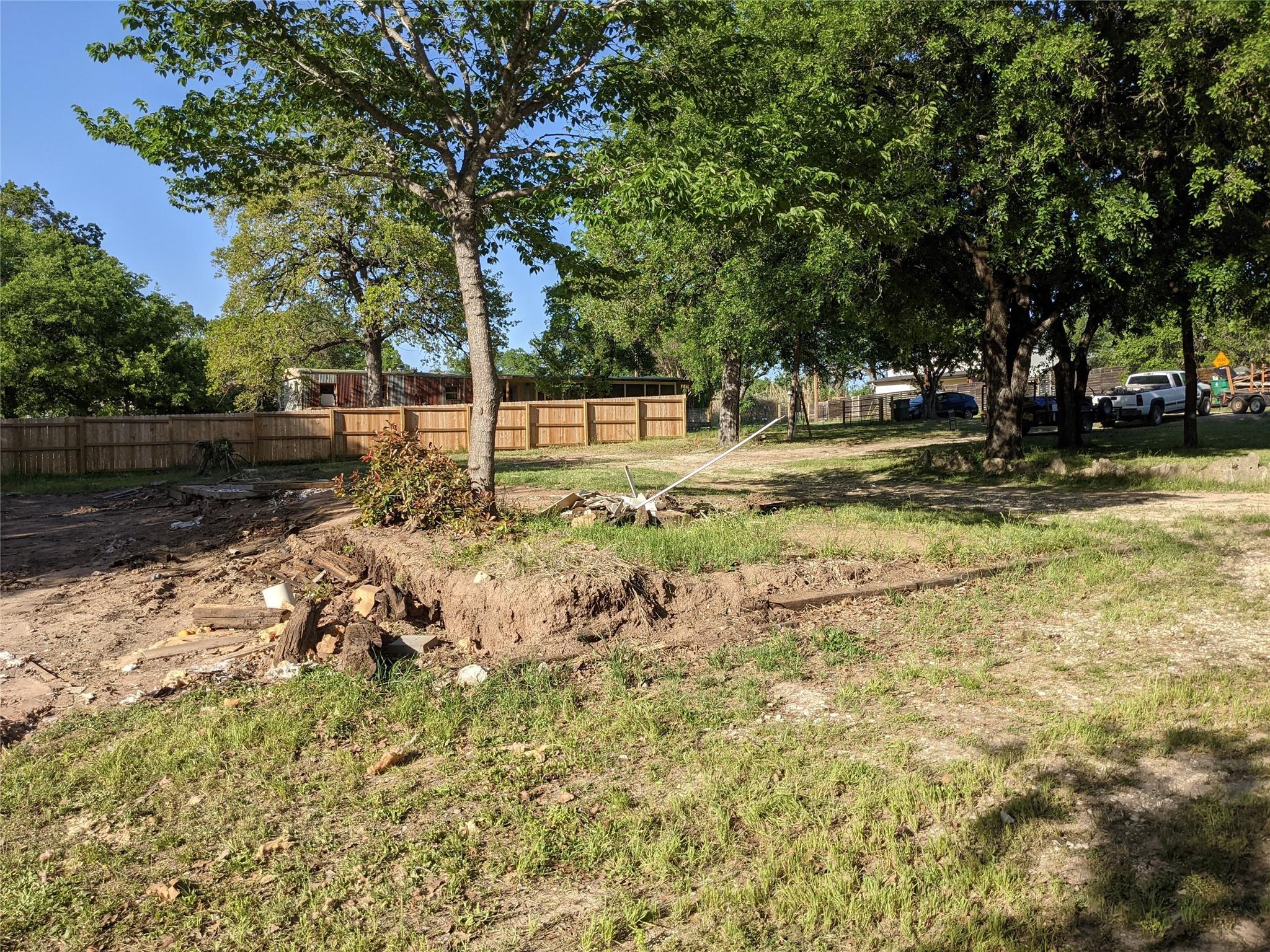 1202 Minnie Drive Property Photo - Austin, TX real estate listing