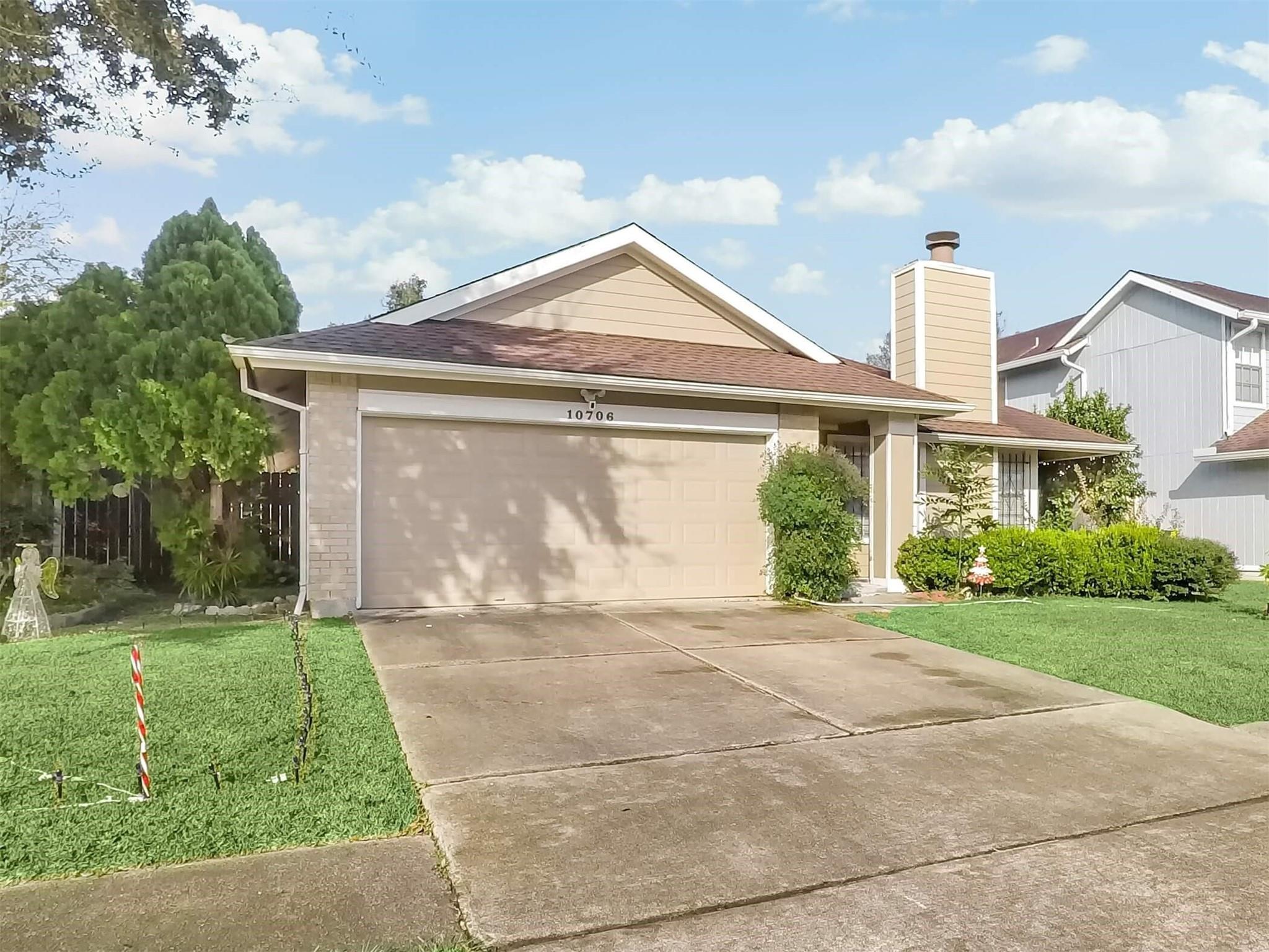 10706 Landsbury Drive Property Photo - Houston, TX real estate listing