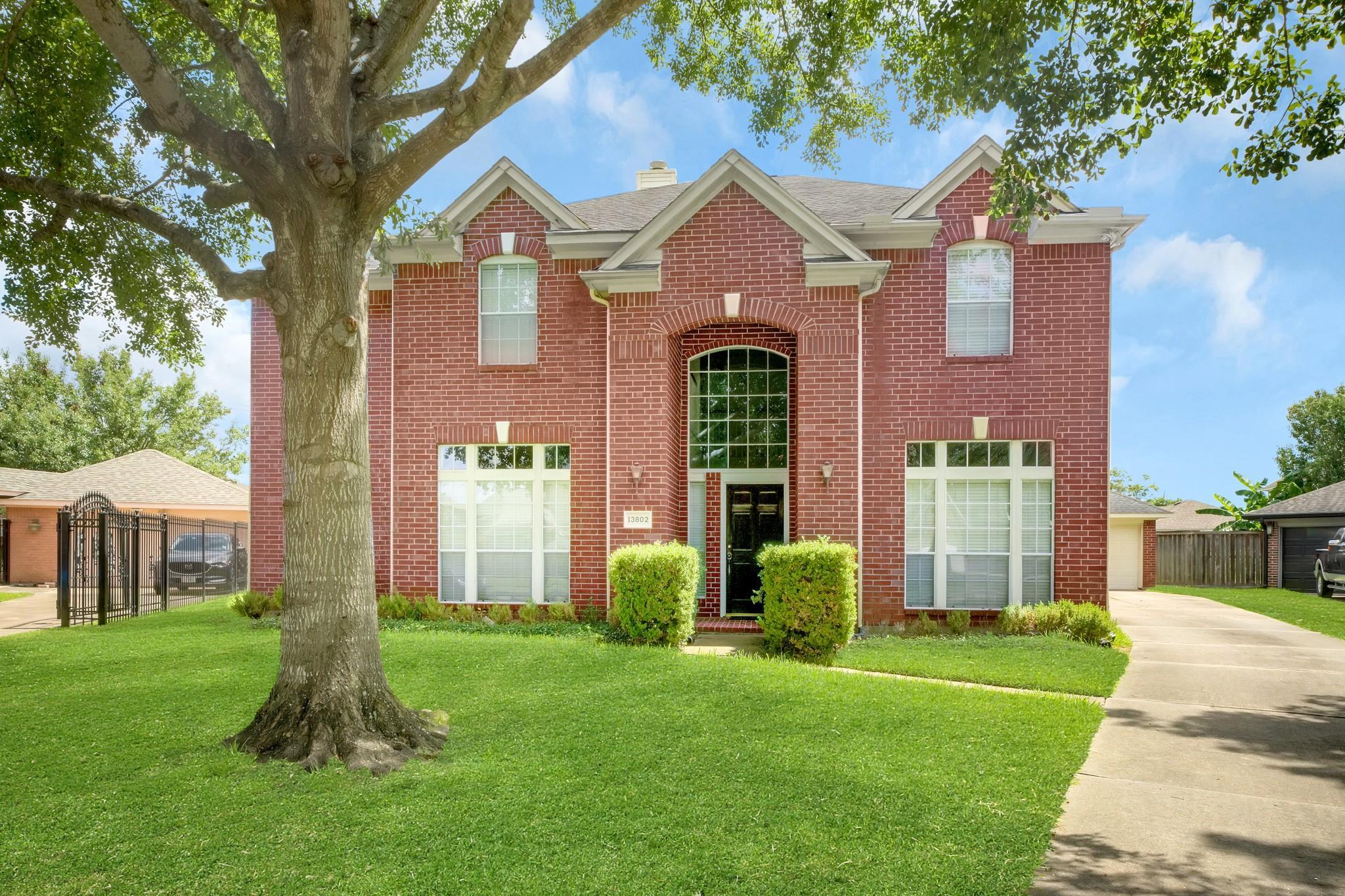 13802 Greenside Drive Property Photo 1