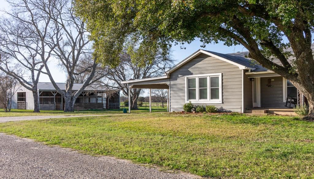 105 Elm Street Property Photo - Donie, TX real estate listing