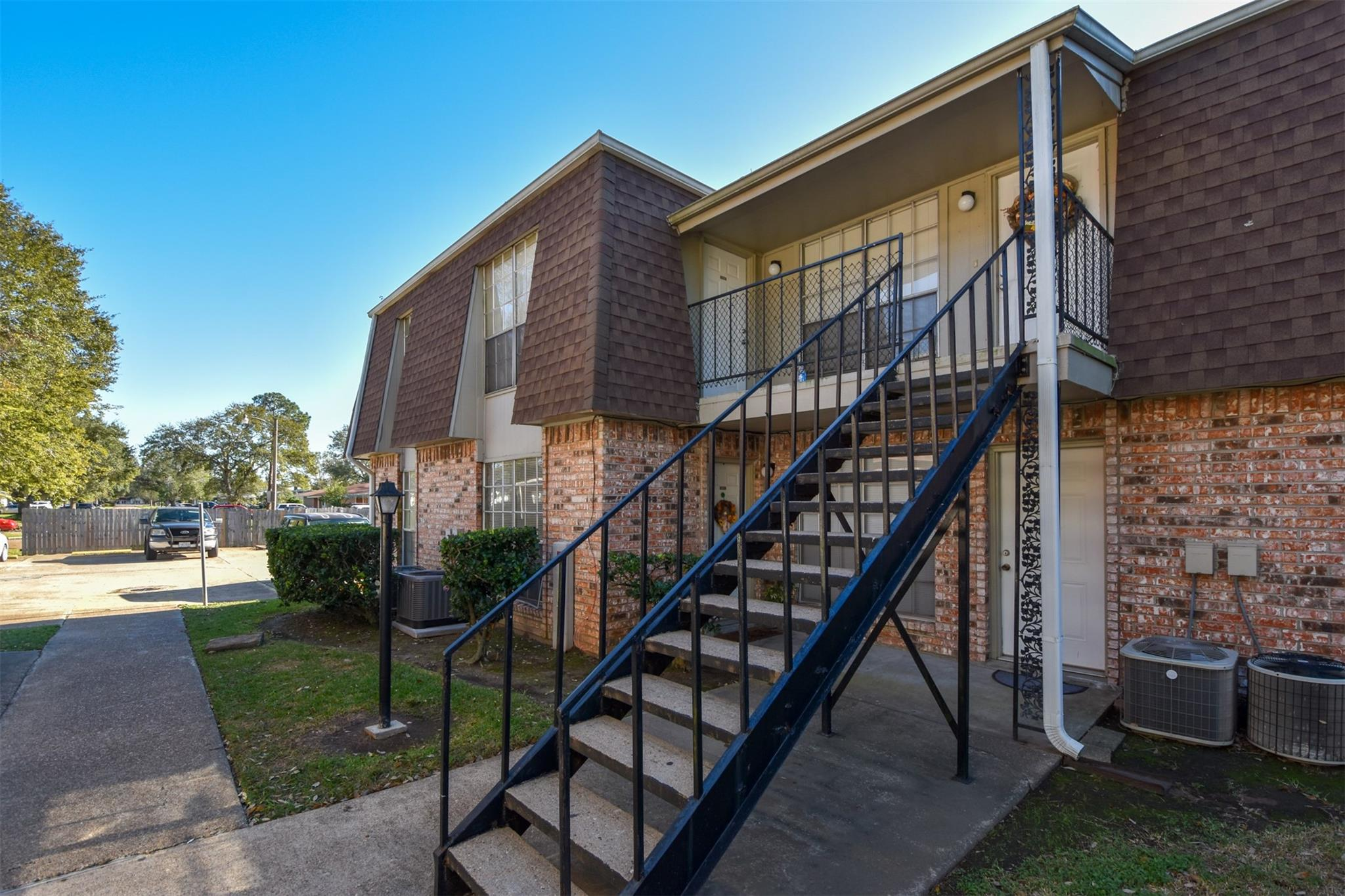 5252 Twin City Highway #402 Property Photo - Groves, TX real estate listing