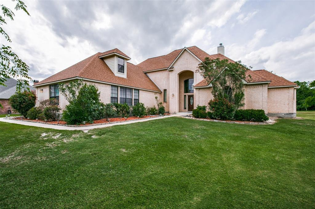 68 Woodside Drive Property Photo - Bay City, TX real estate listing